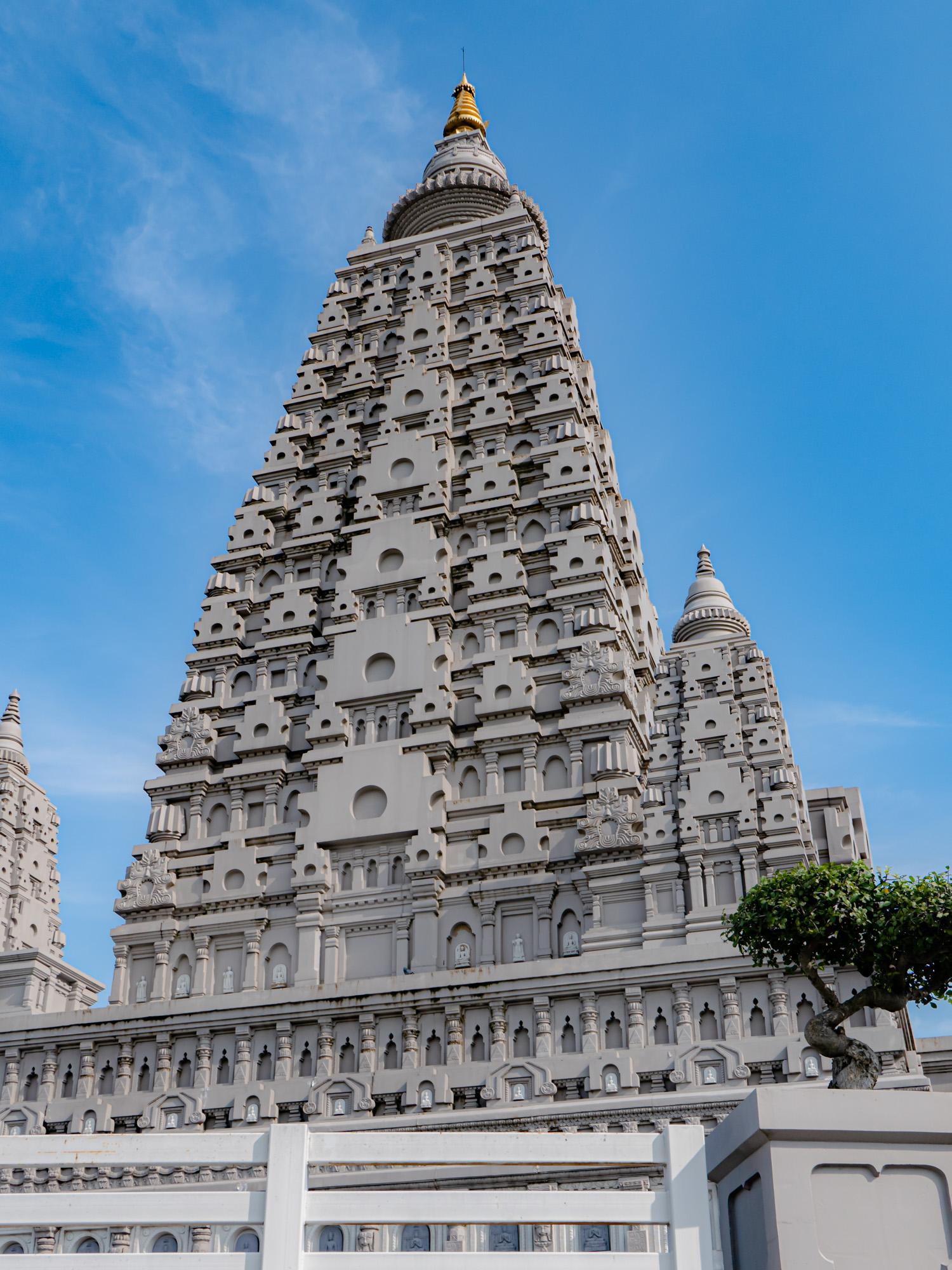 พุทธคยาจำลอง ( พุทธมหาเจดีย์ )   Wat Panyanantaram